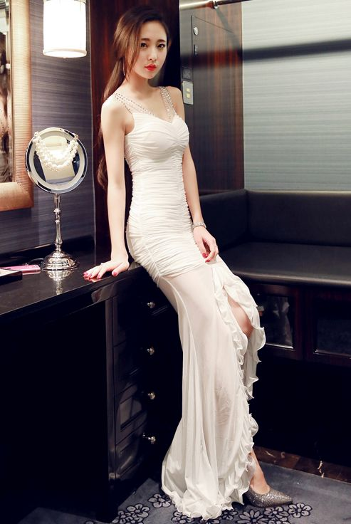 Long Dress Pesta White Elegant Dress